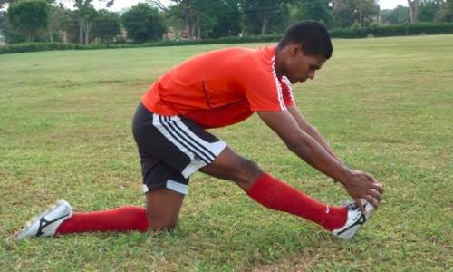 rozciąganie mięśnia dwugłowego