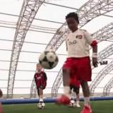 Trening piłkarski dla dzieci nauka żonglerki