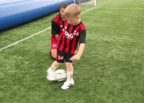 Nauka zwodów i trików piłkarskich